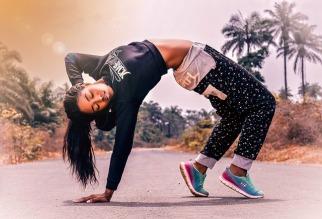 fitness-woman-2893887_640